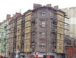 Жилищна сграда срещу НДК